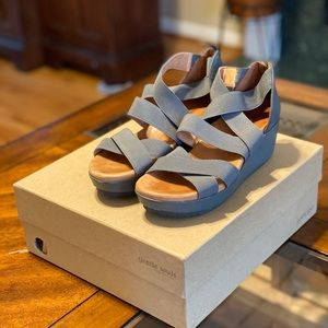 gentle souls by Kenneth Cole sandals